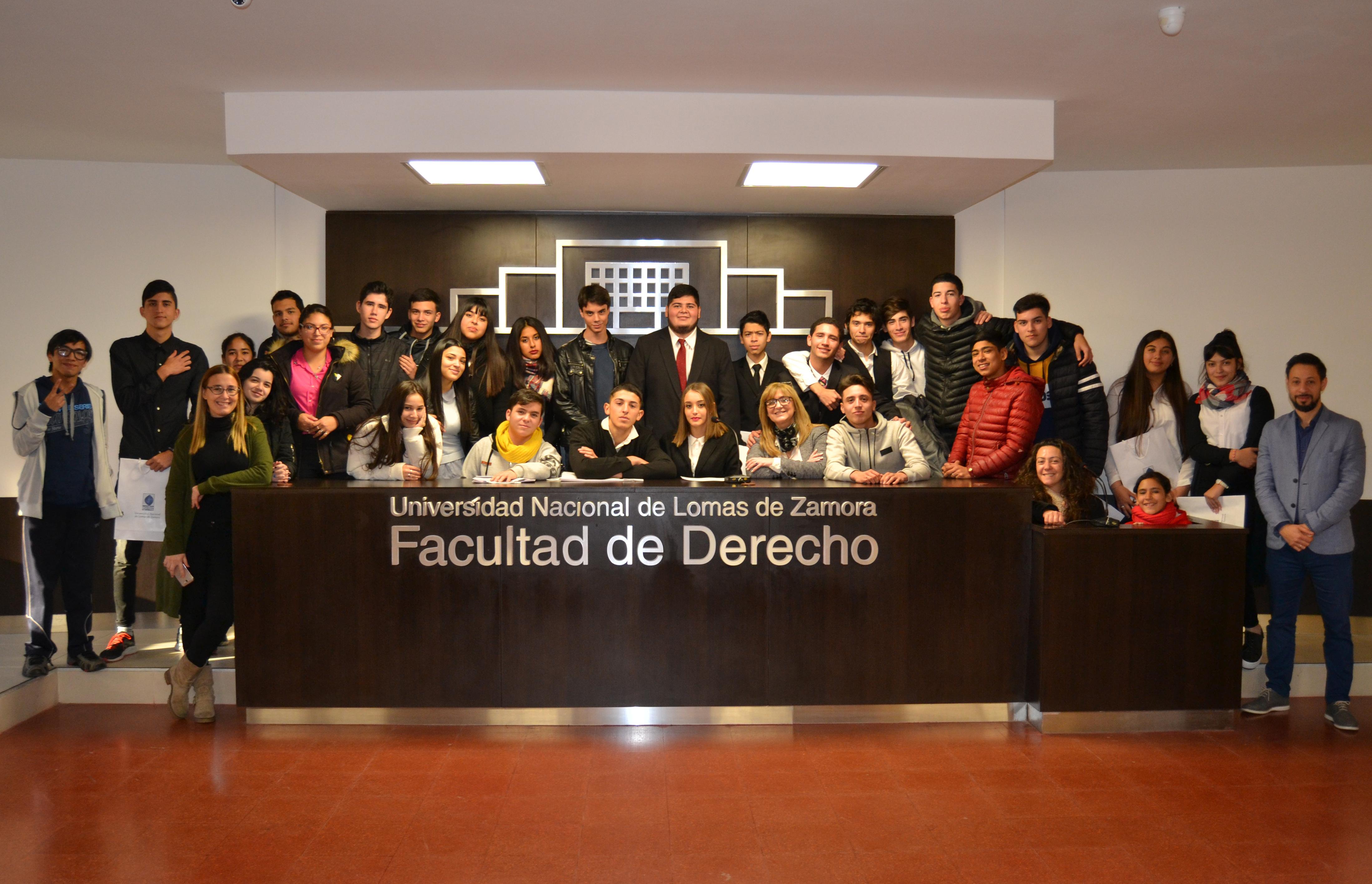 Alumnos y alumnas de escuelas secundarias participaron del Proyecto de «Juicios Por Jurado»